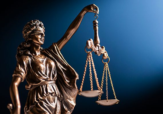 bronze-figurine-of-lady-justice-with-her-scales-CCDCRST